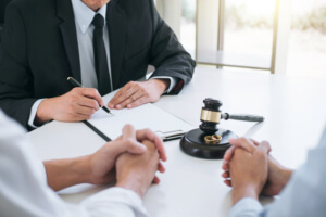 Is there a statute of limitations for filing a lawsuit for breach of contract in Florida?