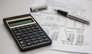 How can a business owner in Orlando, FL estimate their startup costs?