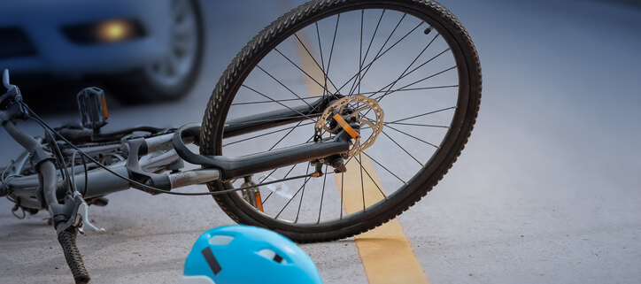 Kendall, Florida, Who pays for the injuries a bicyclist suffers in an accident?