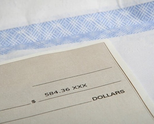 Will an employee in Florida still get a paycheck while on workers' comp?